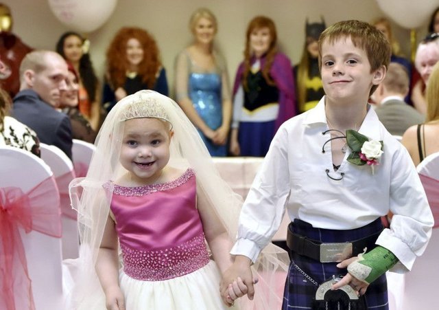 Eileidh Paterson, 5, and best friend Harrison Grier, 6, both from Forres, Moray. Picture: SWNS