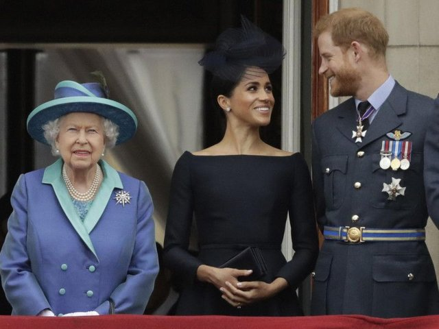 Queen has reportedly been smiling in her first appearance since Harry and Meghan chose to step away from their royal titles     picture: Matt Dunham