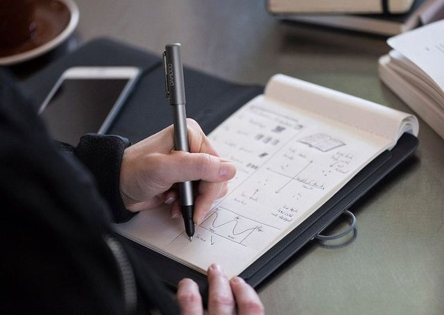 The Bamboo Spark has the ability to turn all handwritten notes digital