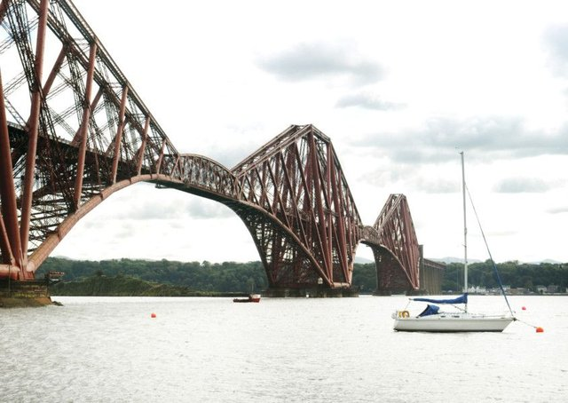 Forth Rail Bridge PIC Dan Phillips/TSPL