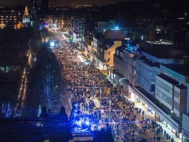 Around 150,000 people are expected to flock into Edinburgh city centre on 30 December and Hogmanay.