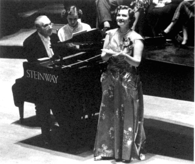 Bruno Walter and Kathleen Ferrier performed at the opening of the International Festival in the Usher Hall.