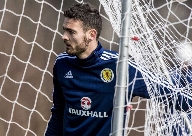 Craig Gordon says reaching the World Cup finals would be the pinnacle of his career. Picture: SNS.
