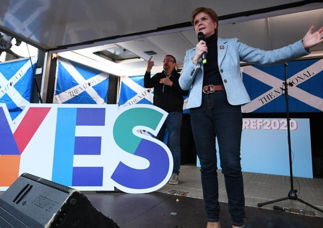 Nicola Sturgeon says any fresh independence referendum must be legal and legitimate