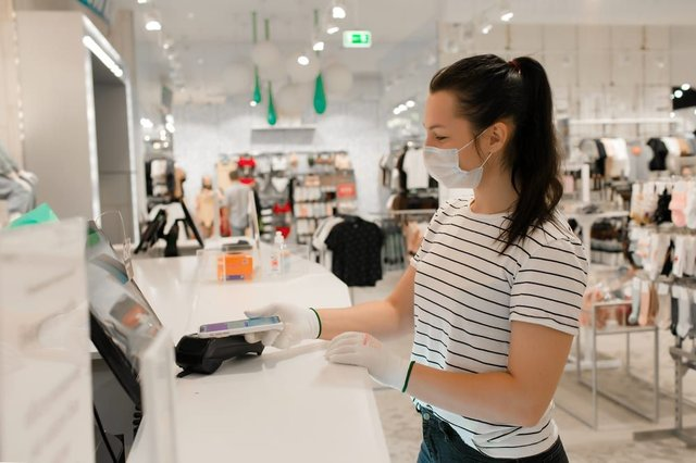 Retail workers are up to 75% more likely to die from Covid-19 (Photo: Shutterstock)
