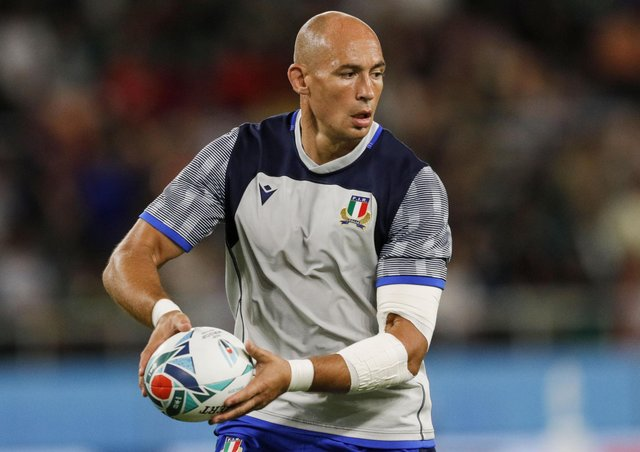 Italy legend Sergio Parisse says battering against a 'wall' is against the spirit of the game. Picture: Adrian Dennis/AFP/Getty