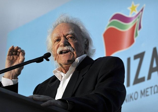 Manolis Glezos addresses at a rally in, 2012.  (Picture: LOUISA GOULIAMAKI/AFP via Getty Images)