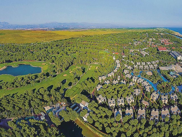 An aerial view of Gloria Serenity in Belek on the Turkish Riviera.  Photograph: www. kevinmurraygolf photography.com