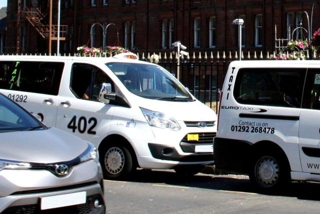 Les propriétaires privés et les chauffeurs de taxi sont soucieux de se protéger de Covid-19.