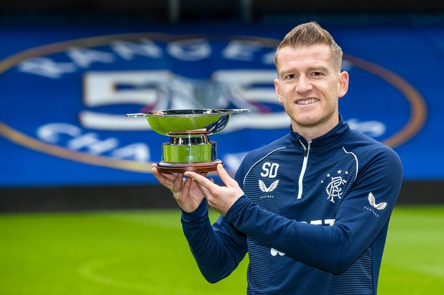 Rangers midfielder Steven Davis with his Scottish Football Writers Award for the 2020-21 season. (Photo by Kirk O'Rourke).