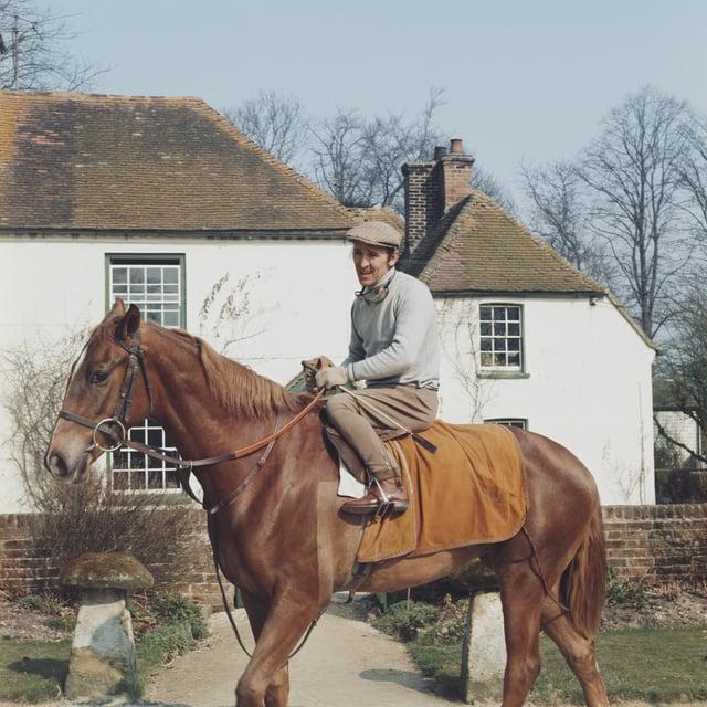English jockey Joe Mercer on horseback, circa 1965.  (Photo by Keystone/Hulton Archive/Getty Images)