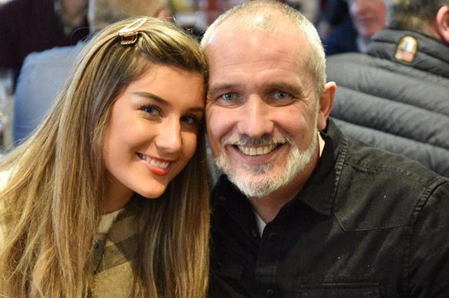 Gabrielle Williamson, 20, and her dad Kevin Williamson who passed away 11 months ago, aged 49 (Photo: Gabrielle Williamson).