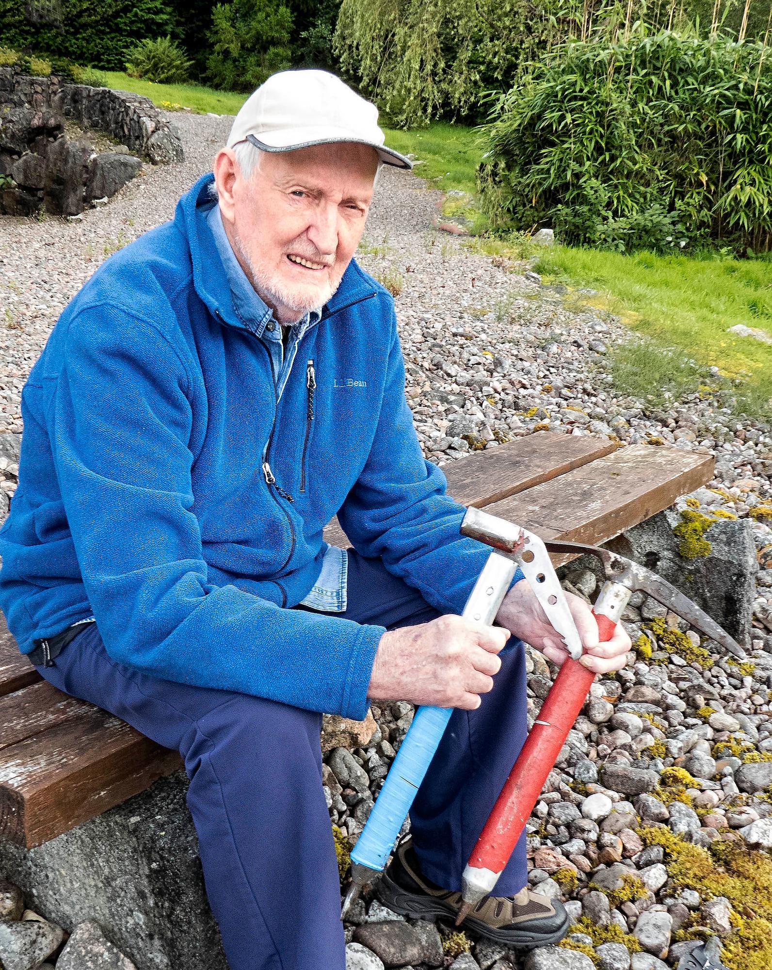 Obituary: Hamish MacInnes, Scottish mountaineer and inventor