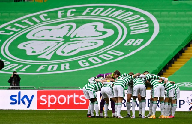 GLASGOW, SCOTLAND - OCTOBER 17: A general view of the huddle during a Scottish Premiership match between Celtic and Rangers at Celtic Park, on October 17, 2020, in Glasgow, Scotland. (Photo by Rob Casey / SNS Group)