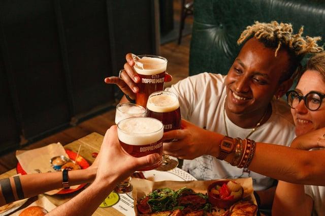 Toppio Malto, gruppo italiano di birrerie e cucine, entrerà per la prima volta nel Regno Unito con una base principale a George Square, a Glasgow.  Immagine: Nicole Salvadori