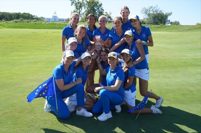 Captain Annika Sorenstam and her players celebrate winning the Junior Solheim Cup at Sylvania Country Club in Ohio.