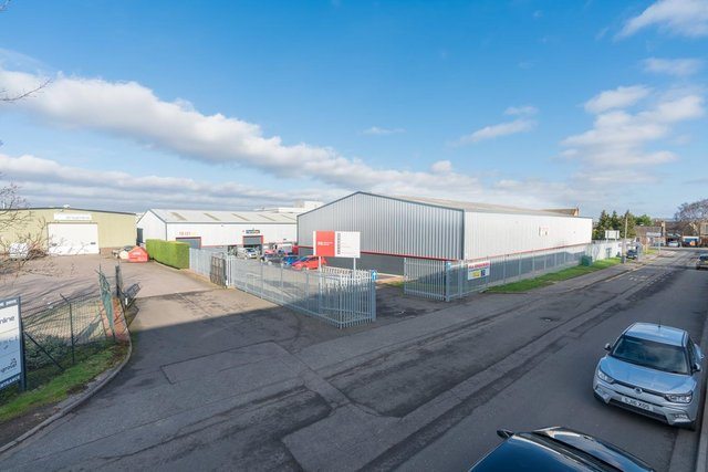R6 Industrial Estate, Queen Anne Drive, Newbridge Industrial Estate, Edinburgh, acquired by Colliers International on behalf of Stenprop in December 2020.