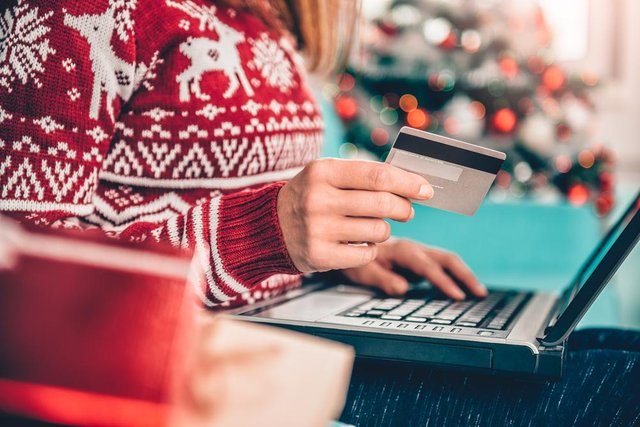 Do you struggle with overspending at Christmas? (Photo: Shutterstock)