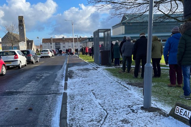 The long queue outside the vaccine centre in Templehall, Kirkcaldy (Pic: Karen Anderson)