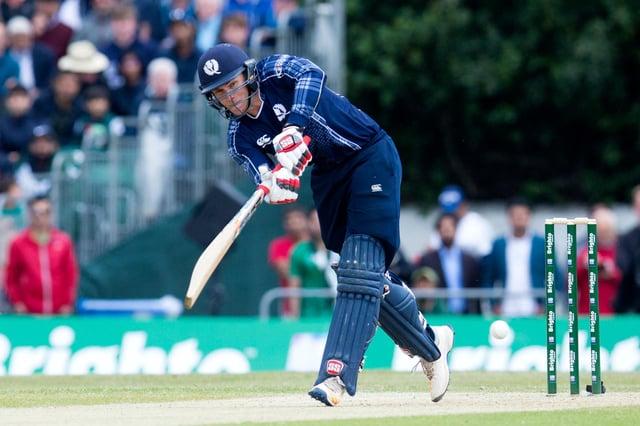 Richie Berrington sloeg drie zessen voor 43 in de nederlaag van Schotland tegen Nederland in de eerste ODI in Rotterdam.