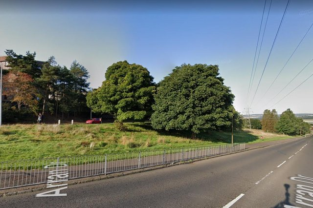 The incident happened between Arran Drive and Charleston Drive in Dundee on Sunday.