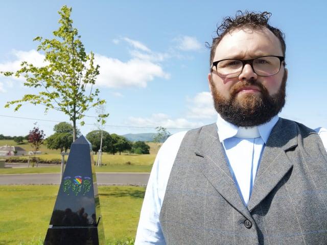 Rev Dan Harper, minister of Bridge of Allan Parish Church, has dedicated a new memorial.