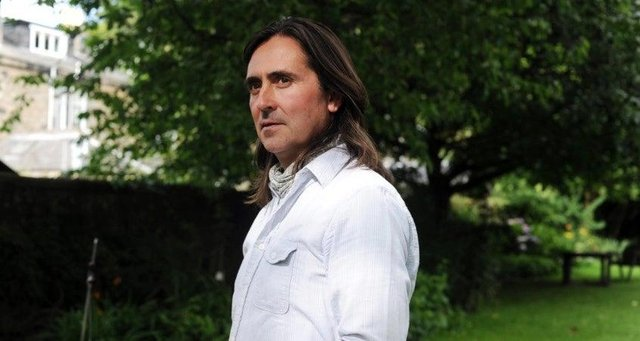 Neil Oliver is to step down from NTS.