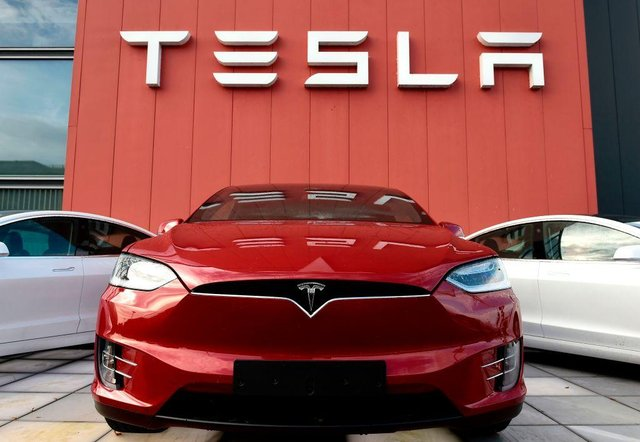 The share price of Tesla is tumbling (Getty Images)