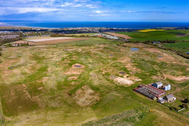 An aeriel view of the Tom Weiskopf-designed course near St Andrews