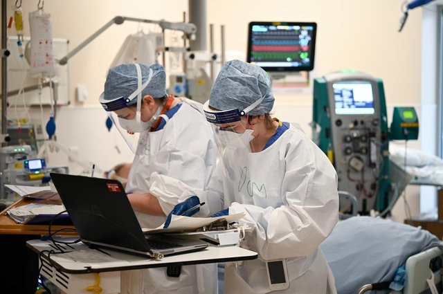 Staff in the ICU at Monklands hospital during the second wave of Covid. Photo by Jeff J Mitchell/Getty Images