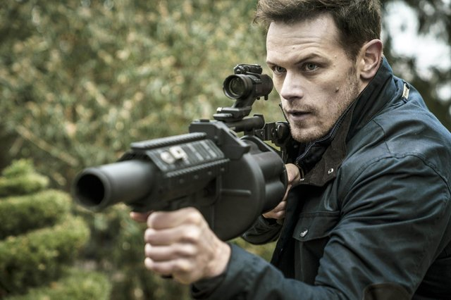 Sam Heughan as Tom Buckingham in SAS: Red Notice.