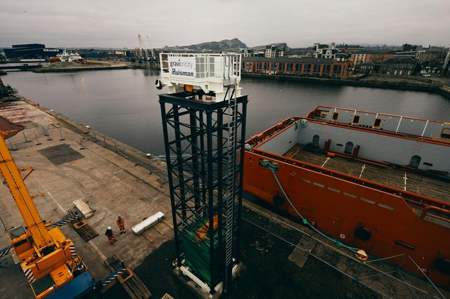 A 15m-high lattice-work tower has been erected at Leith docks as part of a pioneering green energy storage project, which will be able to provide emergency power in a matter of seconds