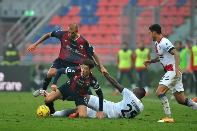 Bologna have reportedly rejected a bid for Aaron Hickey. (Photo by Mario Carlini / Iguana Press/Getty Images)