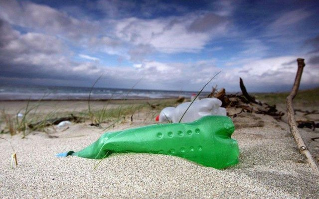 A new survey shows Scots are increasingly concerned about the amount of disposable plastic that comes with their shopping, with the pandemic exacerbating the issue