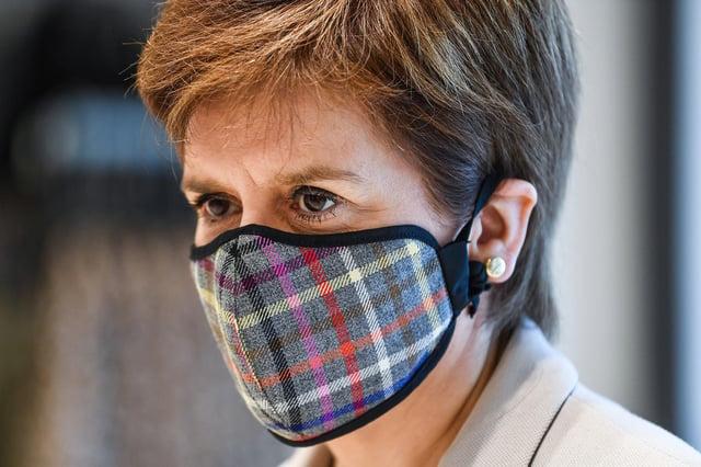 Nicola Sturgeon has defended the reasons behind restricting students' socialisation this weekend