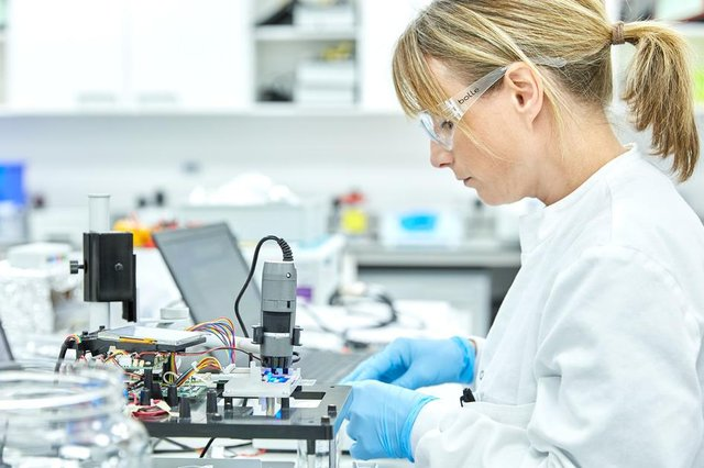 Life sciences giant LumiraDx has announced a major investment in its current Scottish operations which could see up to 750 jobs created over the next three years.