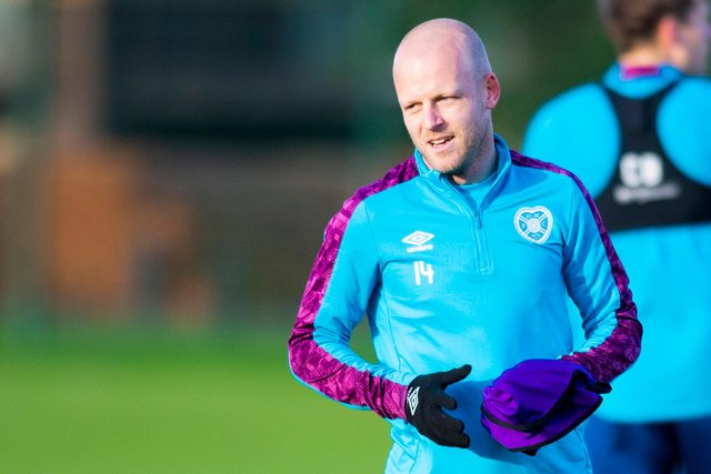 Hearts captain Steven Naismith has decided to retire as a player.