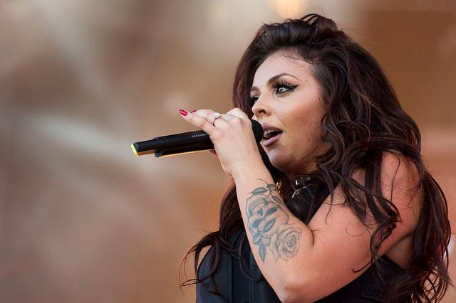 Jesy Nelson performing with Little Mix in 2014 (Photo: Matthew Horwood/Getty Images for MTV UK)