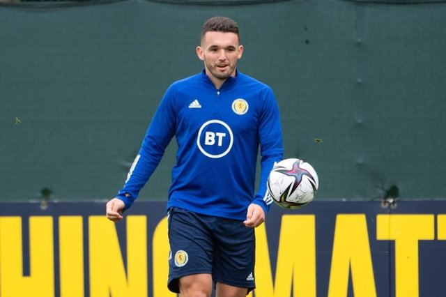 John McGinn back in training with the Scotland squad at Oriam on Friday morning after missing the trip to Denmark following the return of a positive coronavirus test result. (Photo by Paul Devlin / SNS Group)