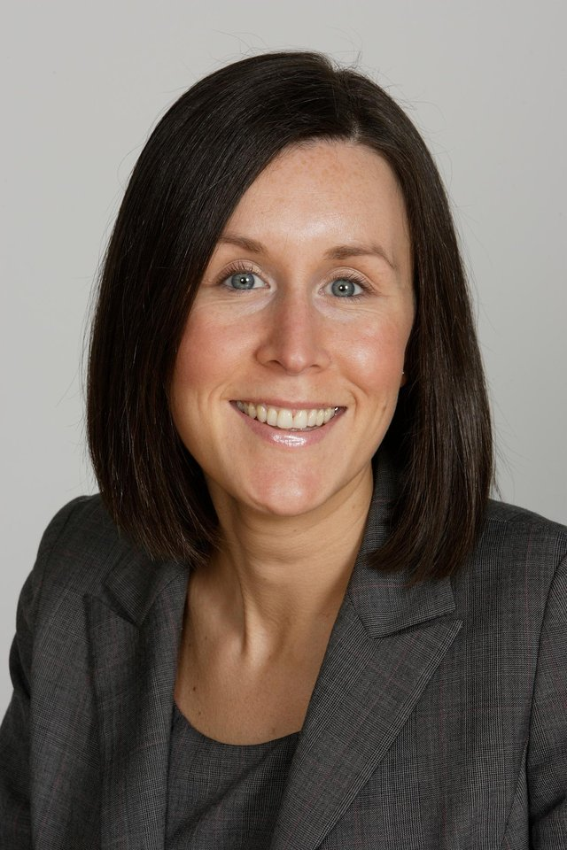Pam Coulthard is a Senior Associate in Dentons Environment and Societal Practice Group