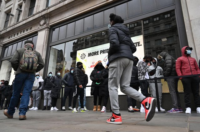 A survey has found that 26 per cent of UK consumers strongly agreed that a long queue would make them less likely to return to a retailer. Picture: Glyn Kirk/AFP via Getty Images.