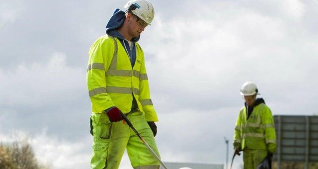 Scotland TranServ maintains motorways and other major roads in Glasgow and the south west of Scotland.