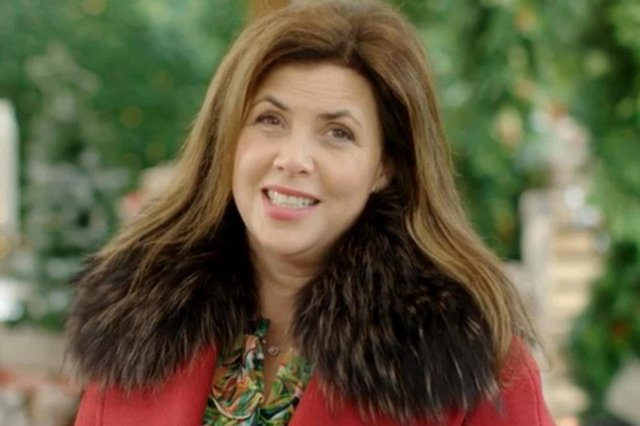 Kirstie Allsopp has questioned why one fully vaccinated elderly person cannot visit another at the Royal Infirmary of Edinburgh.