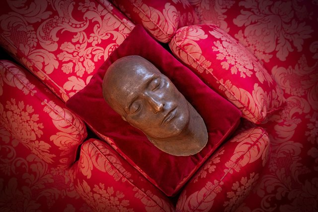 English Heritage of Keeper of the death mask of Napoleon Bonaparte on display at Apsley House, London. Picture: Christopher Ison/English Heritage/PA Wire