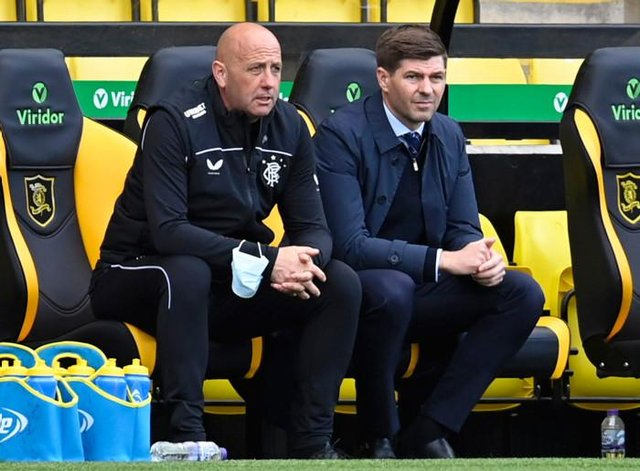 Rangers manager Steven Gerrard and his assistant Gary McAllister look on during their team's 3-0 win at Livingston.  (Photo by Rob Casey / SNS Group)