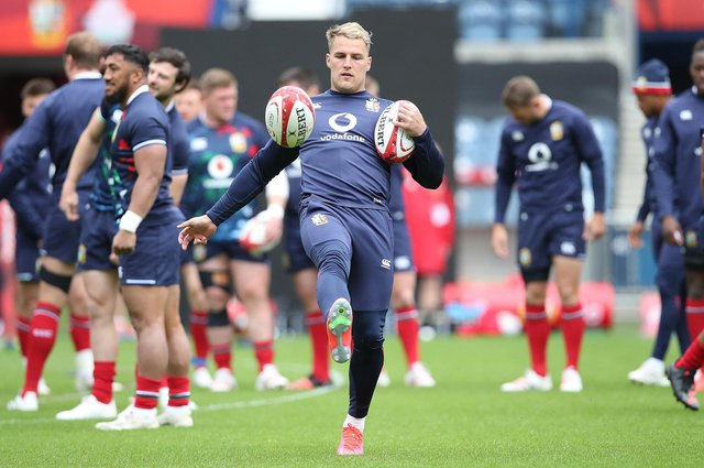 Duhan van der Merwe practises his bull juggling during a training session at BT Murrayfield ahead of the British & Irish Lions' match against Japan. Picture: Ian MacNicol/Getty Images