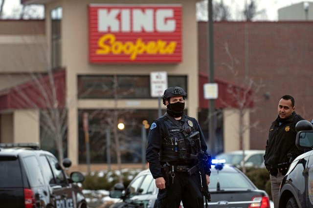 The attack took place at a branch of King Soopers, a US supermarket headquartered in Colorado (Photo: JASON CONNOLLY/AFP via Getty Images)