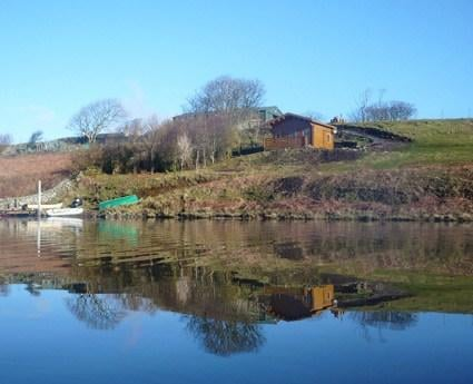 Located on the beautiful Isle of Mull, this cottage offers a decking veranda that is directly above the waters of Loch Assapol, where you can relax and look across the water or watch the sun set.