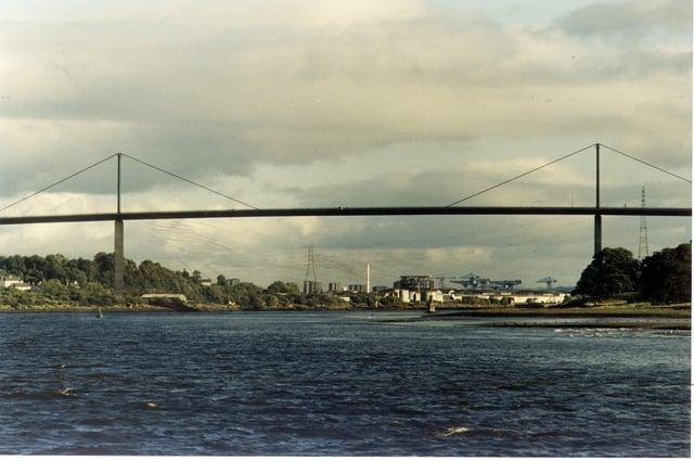 The minimalistic single-cable designof the Erskine Bridge was exceptionally rare for a large-scale road bridge,