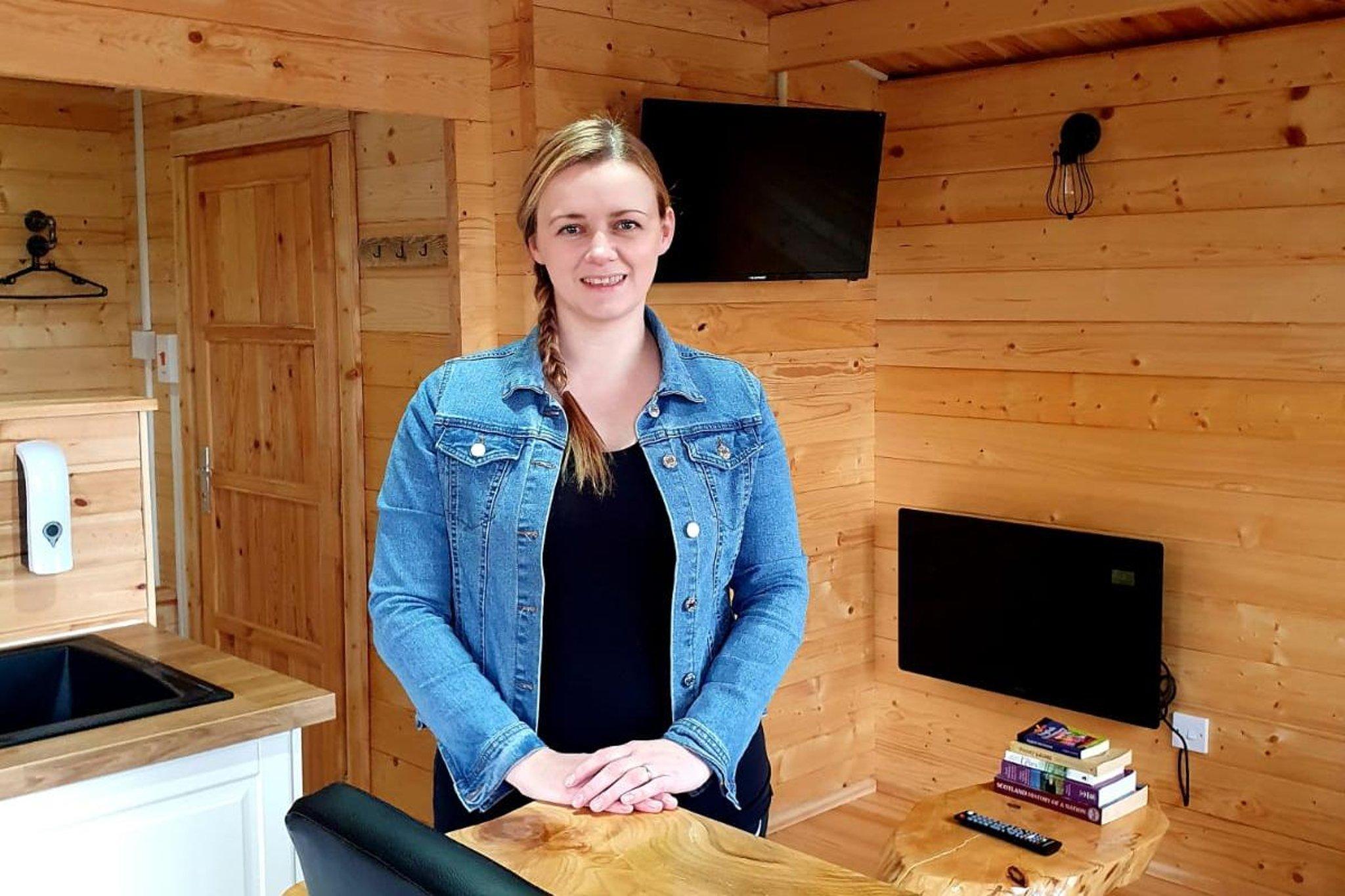Pengusaha di balik kabin kayu Isle of Lewis yang bercabang di tengah dukungan bisnis